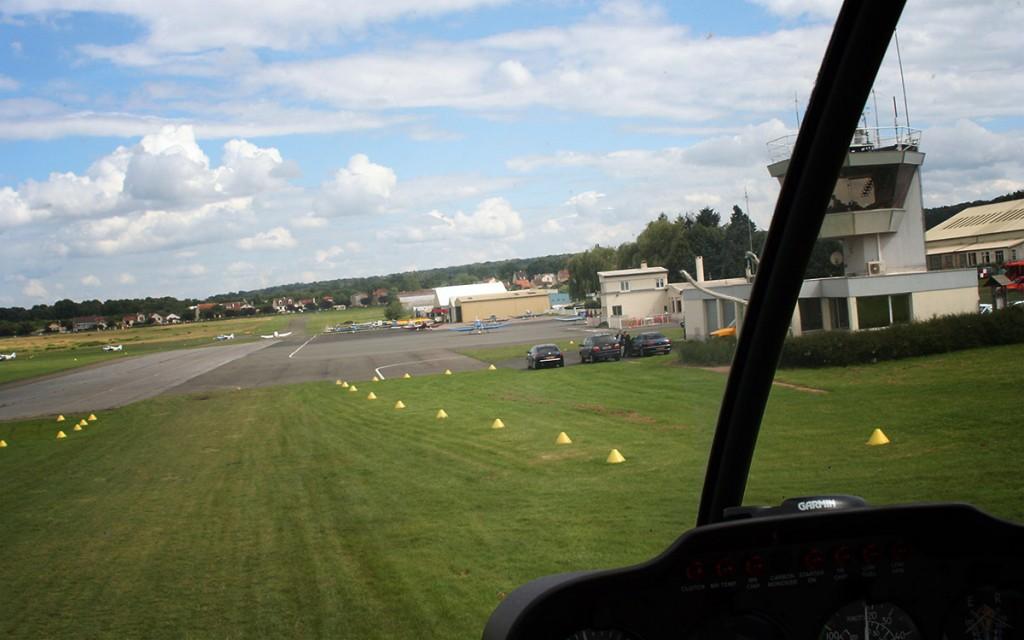 Découvrez les secrets du pilotage d'un hélicoptère, aux commandes avec un instructeur.