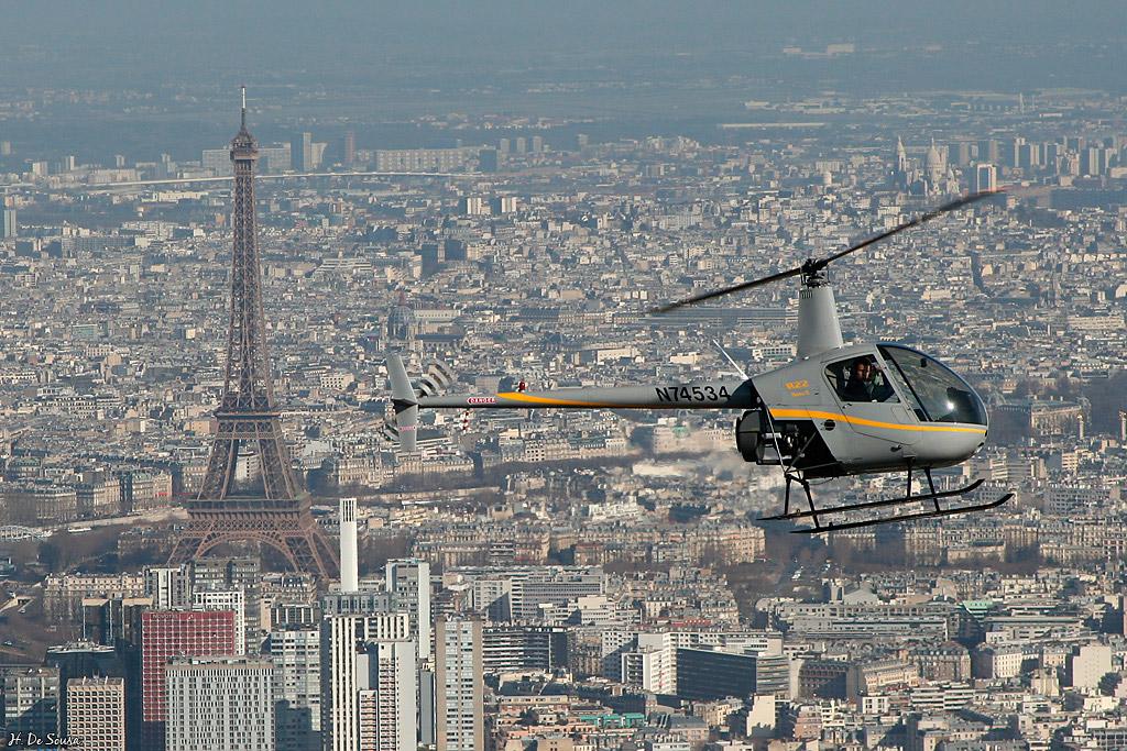 Survolez Paris et sa banlieue